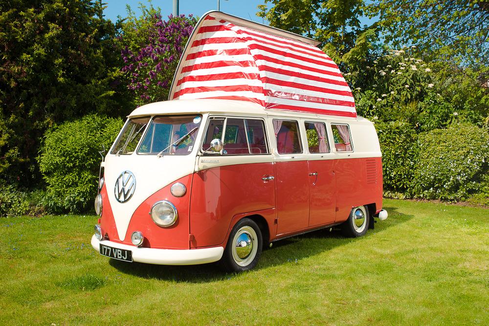 1964 vw split screen dormobile campervan to be auctioned for bbc children in need bandwagen. Black Bedroom Furniture Sets. Home Design Ideas